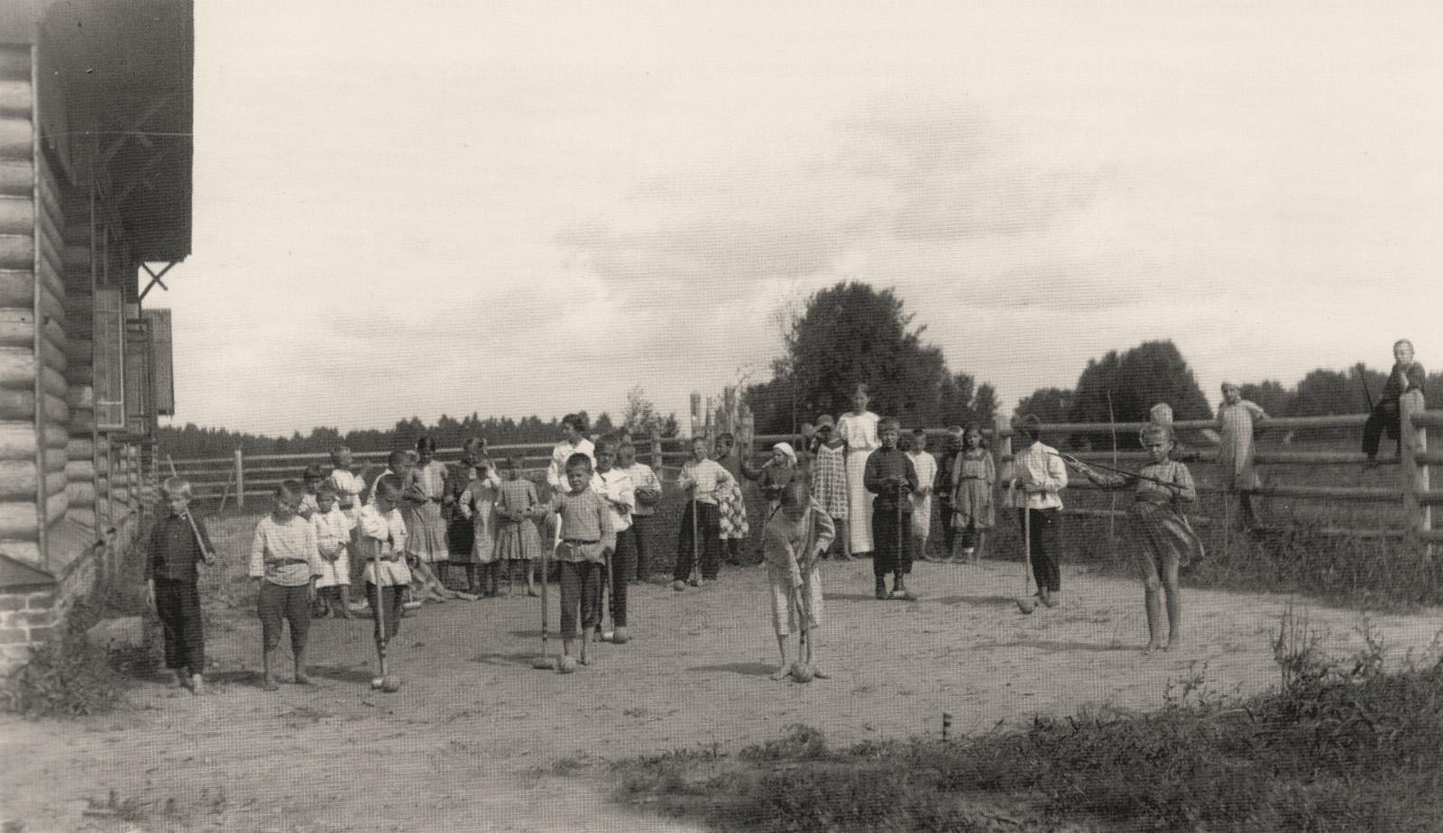 Картинки по запросу старая кострома ИГРЫ ДЕТЕЙ НАЧАЛА XX ВЕКА