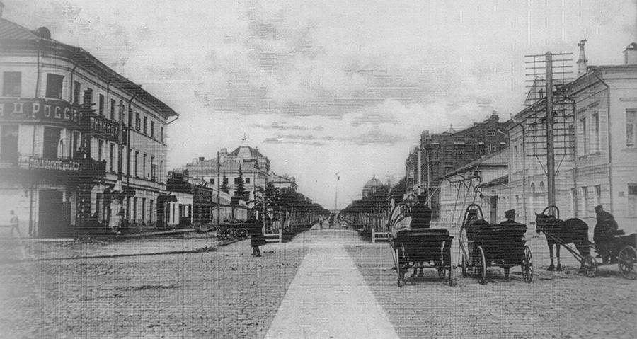 Романовский сквер на Павловской улице