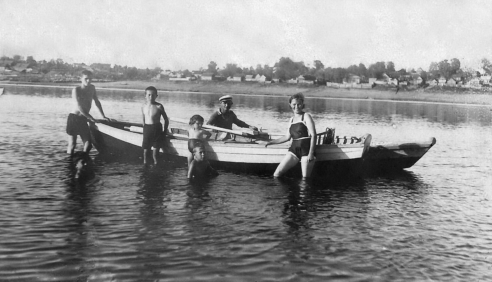 Купание с лодки